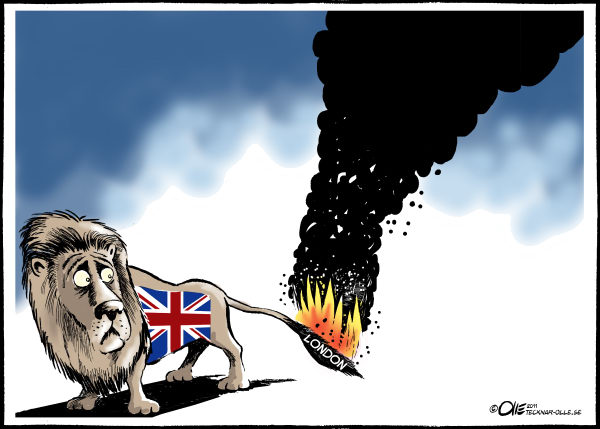 Fire in the tail © Olle Johansson,Sweden,England -riots - London-Mob- Manchester-British police- government -crimes -looters-violence - fire- streets- burning- death- killing