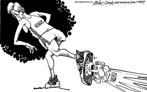 Mike Keefe - Cagle Cartoons - Kerry Pisotea a Nader - Spanish - campaña, presidente, nader, ralph, 2004
